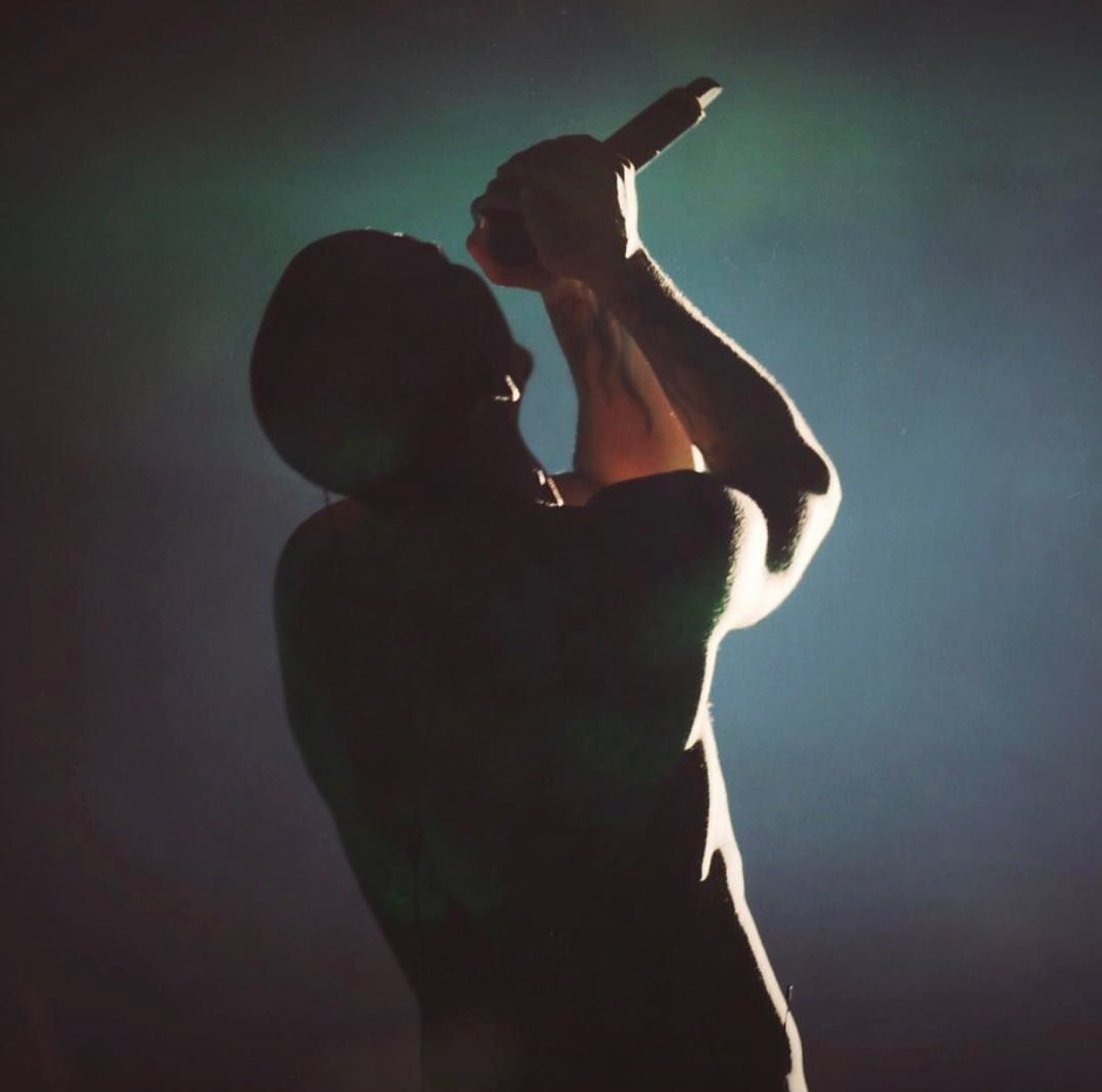 So sad to hear about #chesterbennington suicide. His voice and talent will not be forgotten. #linkinpark https://t.co/yTXz0v3aFu