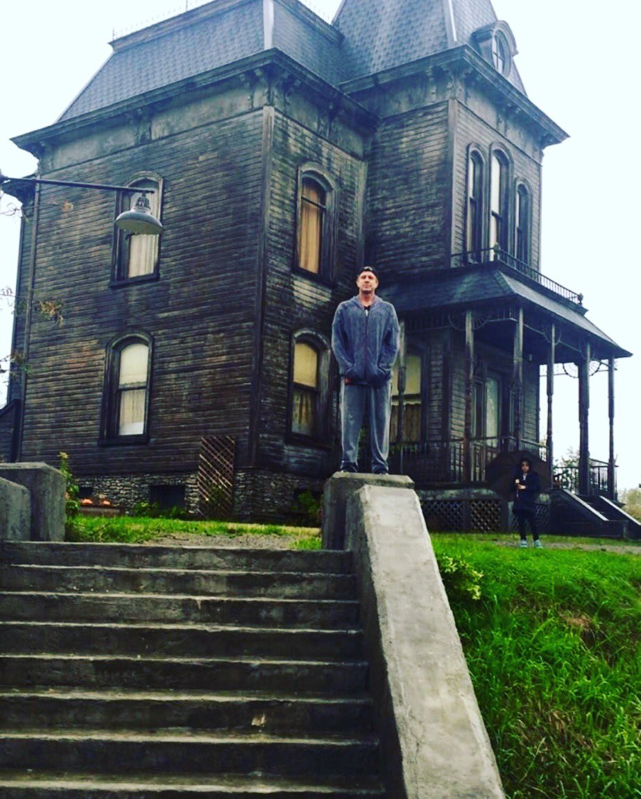 Missing this house and the people who used to live here. 💔#tbt #batesmotel