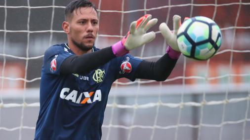 Número definido! Diego Alves é o novo camisa 1 do Flamengo https://t.co/FRtajBAOWT