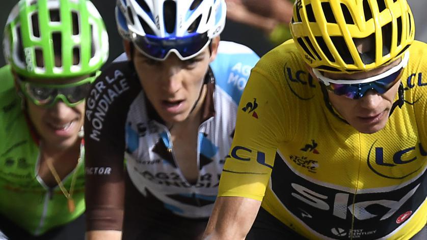 VIDÉO. L'œil de Jean-François Bernard sur le Tour de France : 'Le Tour n'est pas joué' #TDF2017 https://t.co/JwDi7PIlOn