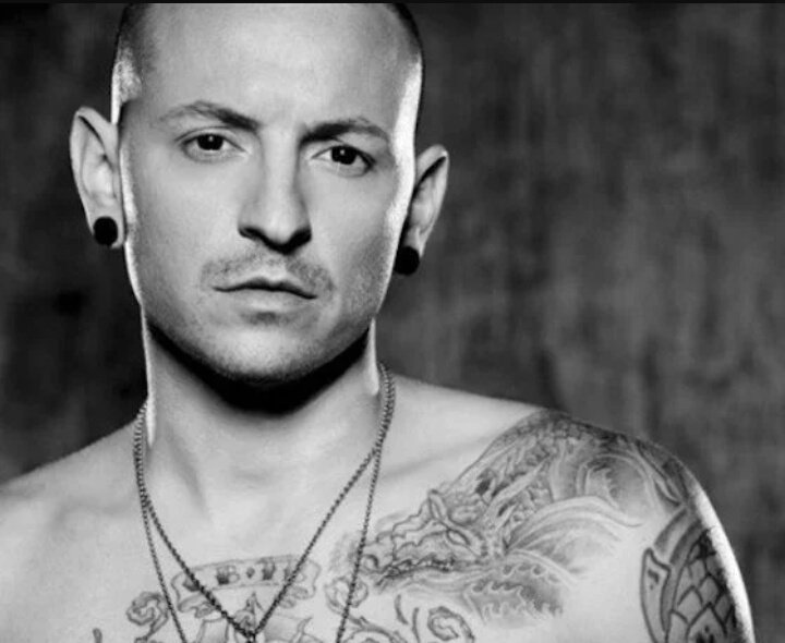 Il suicidio di Chester Bennington dei Linkin Park. Cordoglio dell'Ipswich Town - https://t.co/i0BjMwRnlS #blogsicilianotizie #todaysport