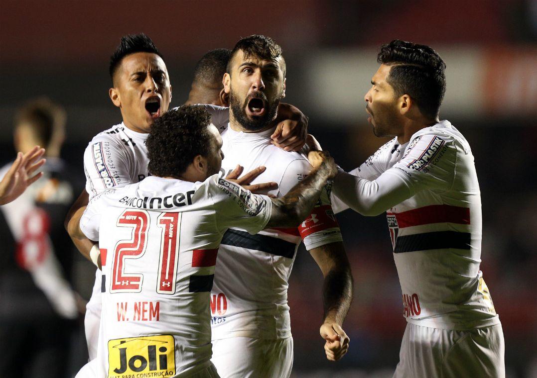São Paulo derrota o Vasco e encerra jejum. Tricolor não vencia um jogo há nove rodadas. Esse foi o primeiro triunfo de Dorival Júnior.