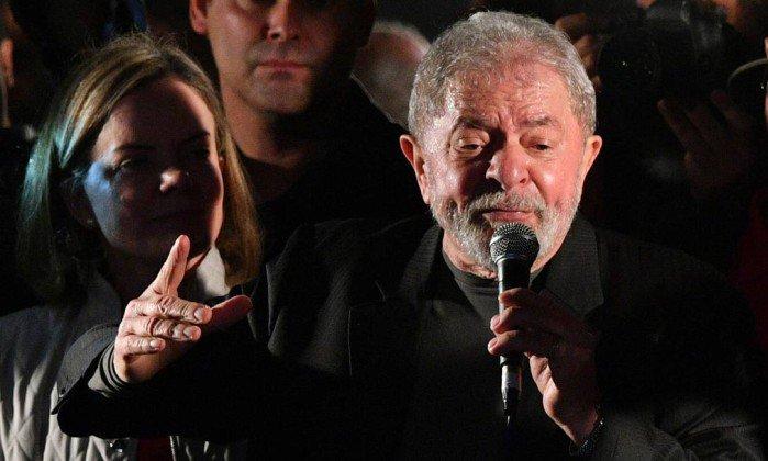 'Como não conseguem me derrotar na política, querem me derrotar com processo', diz Lula. https://t.co/fyzHCkWkFv