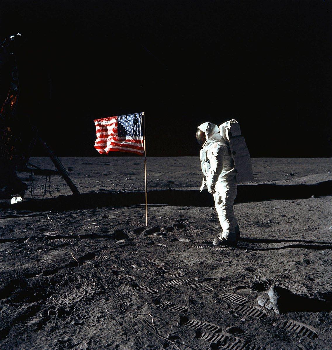 Le 20 juillet 1969, l'homme se posait sur la Lune. Dans nos archives: «On a marché sur la Lune» #MoonDay https://t.co/g1qSXwctYo