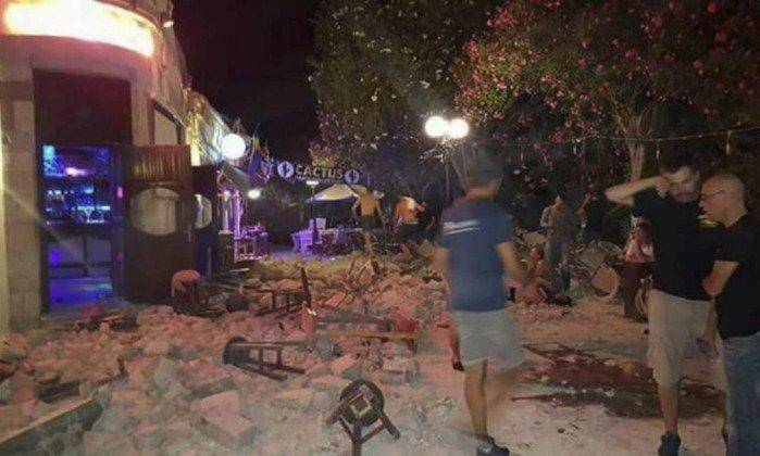 Terremoto de 6,7 graus em Turquia e Grécia deixa dois mortos e 100 feridos. https://t.co/troSvA21Py