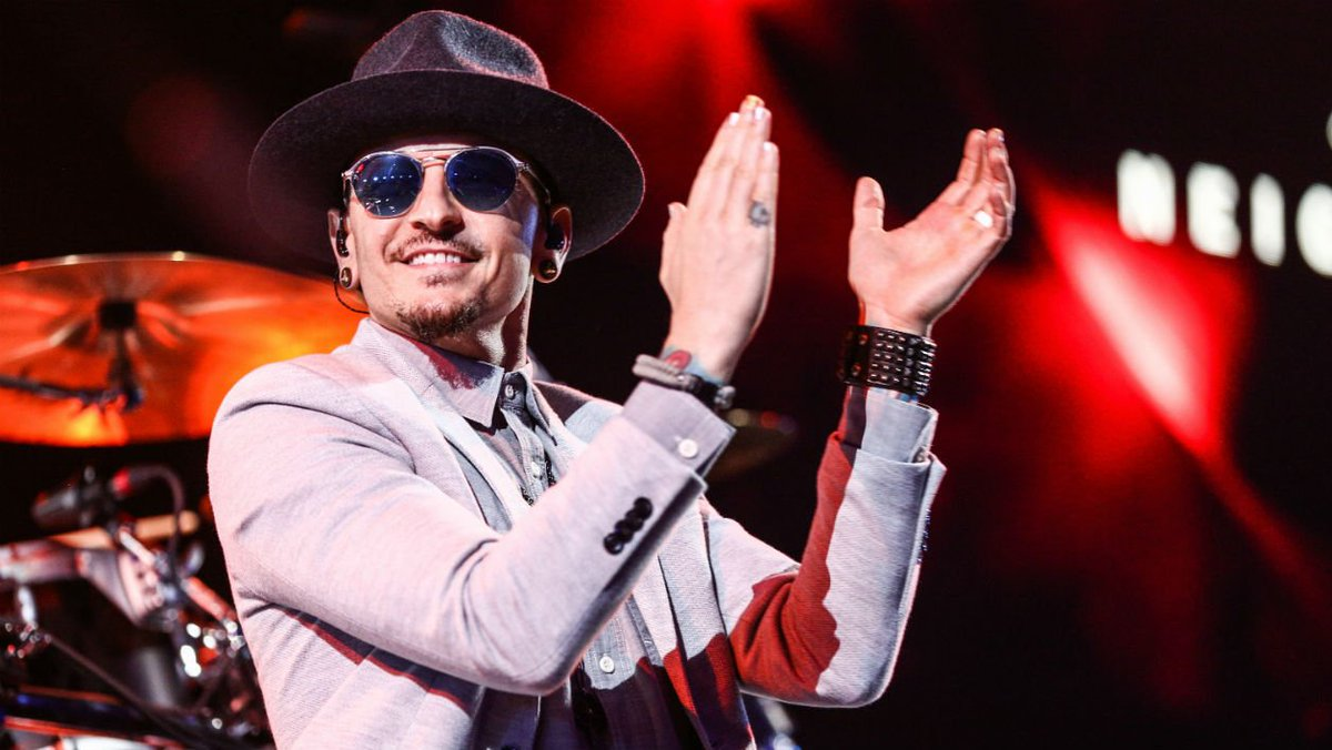 Le chanteur de Linkin Park, Chester Bennington, est mort https://t.co/PZNDq66UMX