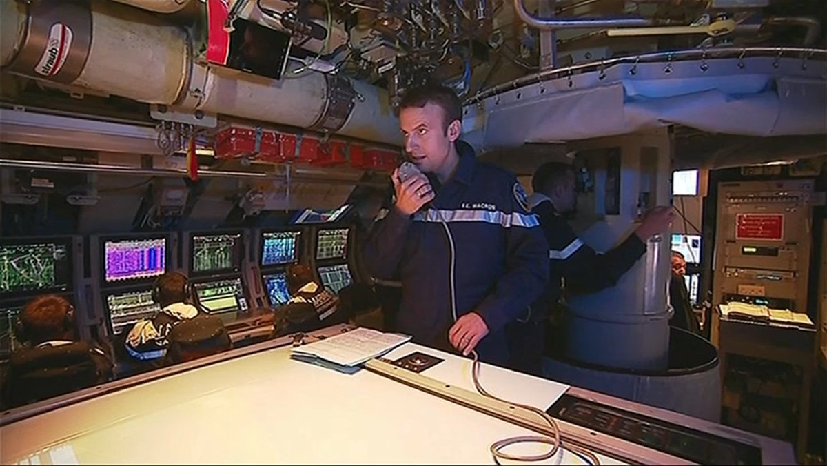 A Istres, Emmanuel Macron brosse les militaires dans le sens du poil https://t.co/sjc2vtPzjx