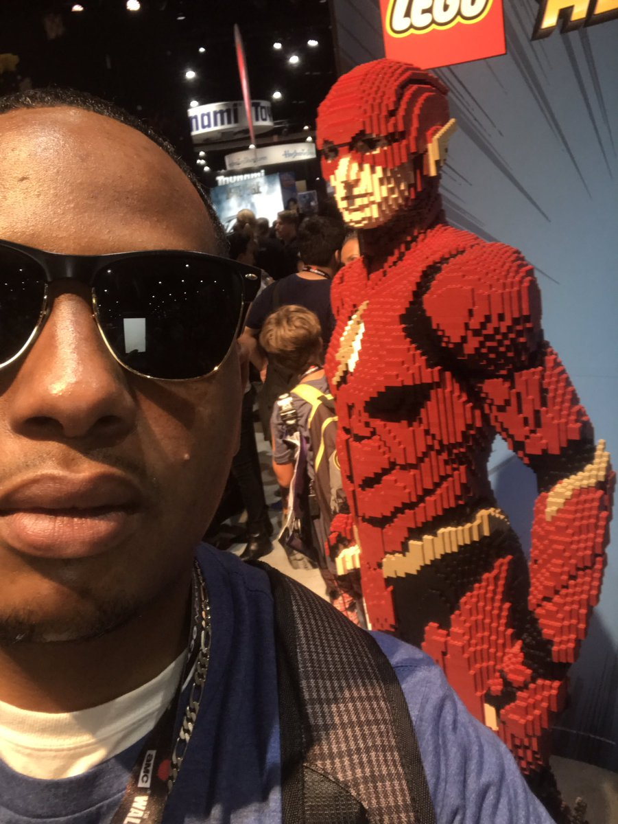 the Flash made of Legos #SDCC2017 #JusticeLeague #Flash #pinkiesup #podcast #PodernFamily #trypod #comicbooks<br>http://pic.twitter.com/rVYgd5eSeF