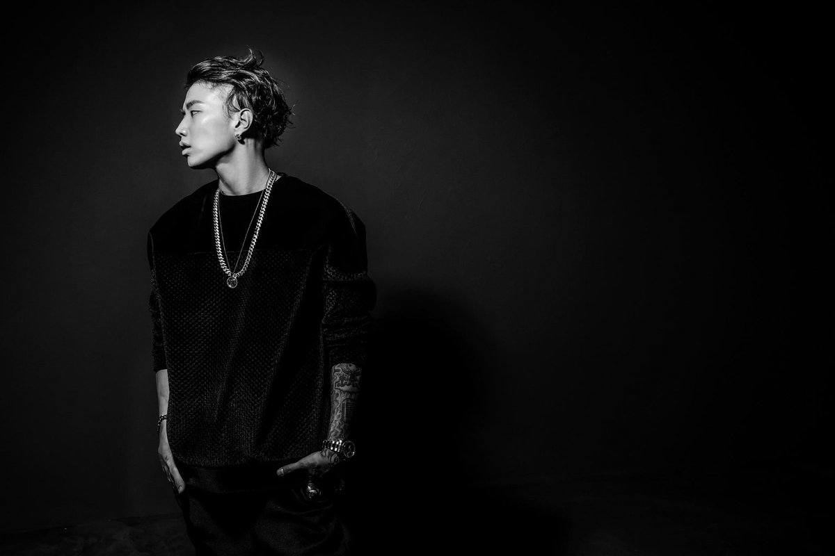 We are excited to announce @Jaybumaom has officially signed with #RocNation! Welcome to the #RocFam!!! https://t.co/escgoMN7aZ