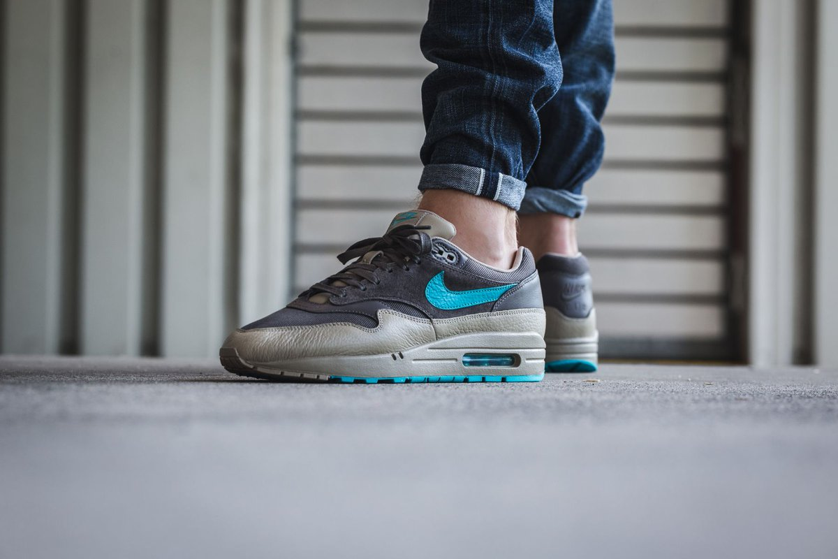 ... czech the sole supplier on twitter nike air max 1 premium ridgerock.  almost live at 09f6b9976de1