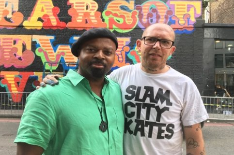 Grenfell Victims &amp; Survivors Honoured With New London Mural  https:// shar.es/1Ts3OJ  &nbsp;   By #BenEine Reproducing #BenOkri's #Poem On The Fire<br>http://pic.twitter.com/GQmY6bUnpf