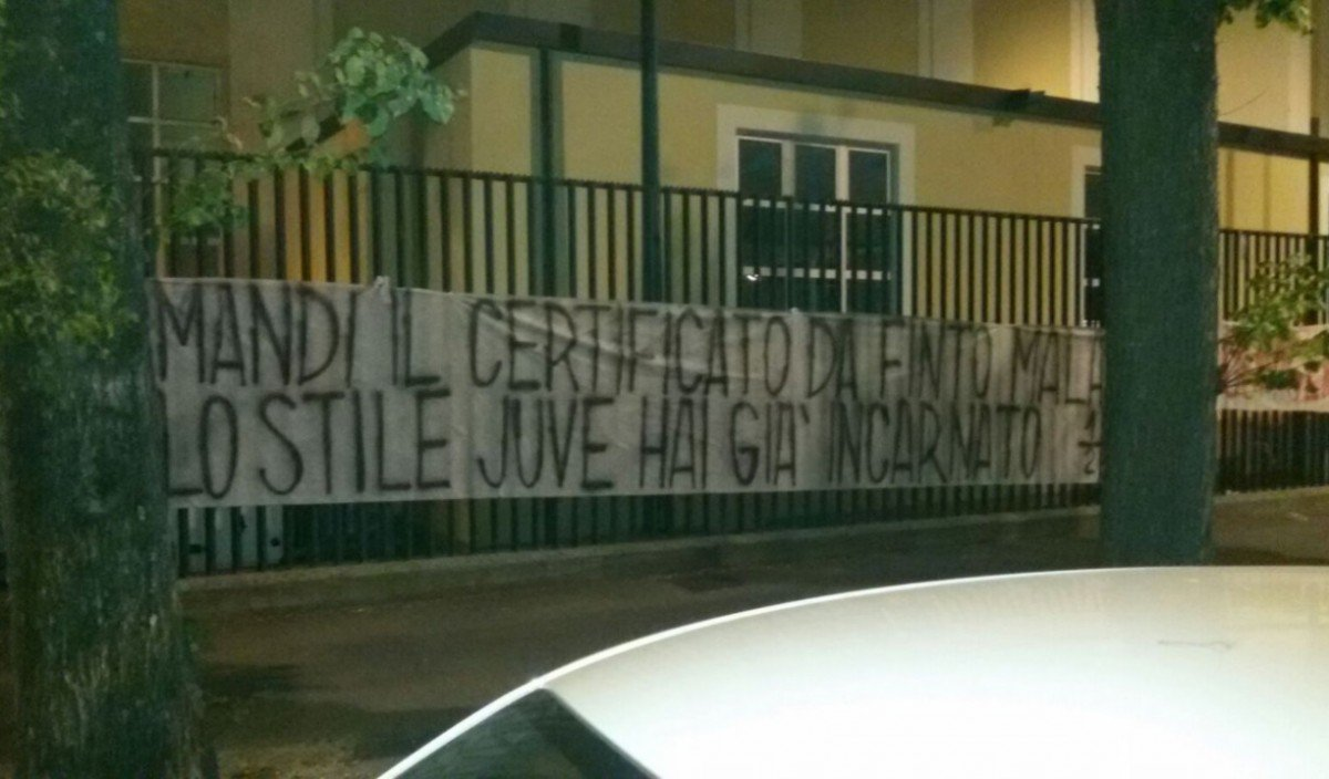 Altro striscione contro Bernardeschi: e prende di mira anche la Juventus - https://t.co/Ac6TL4aYsE #blogsicilianotizie #todaysport