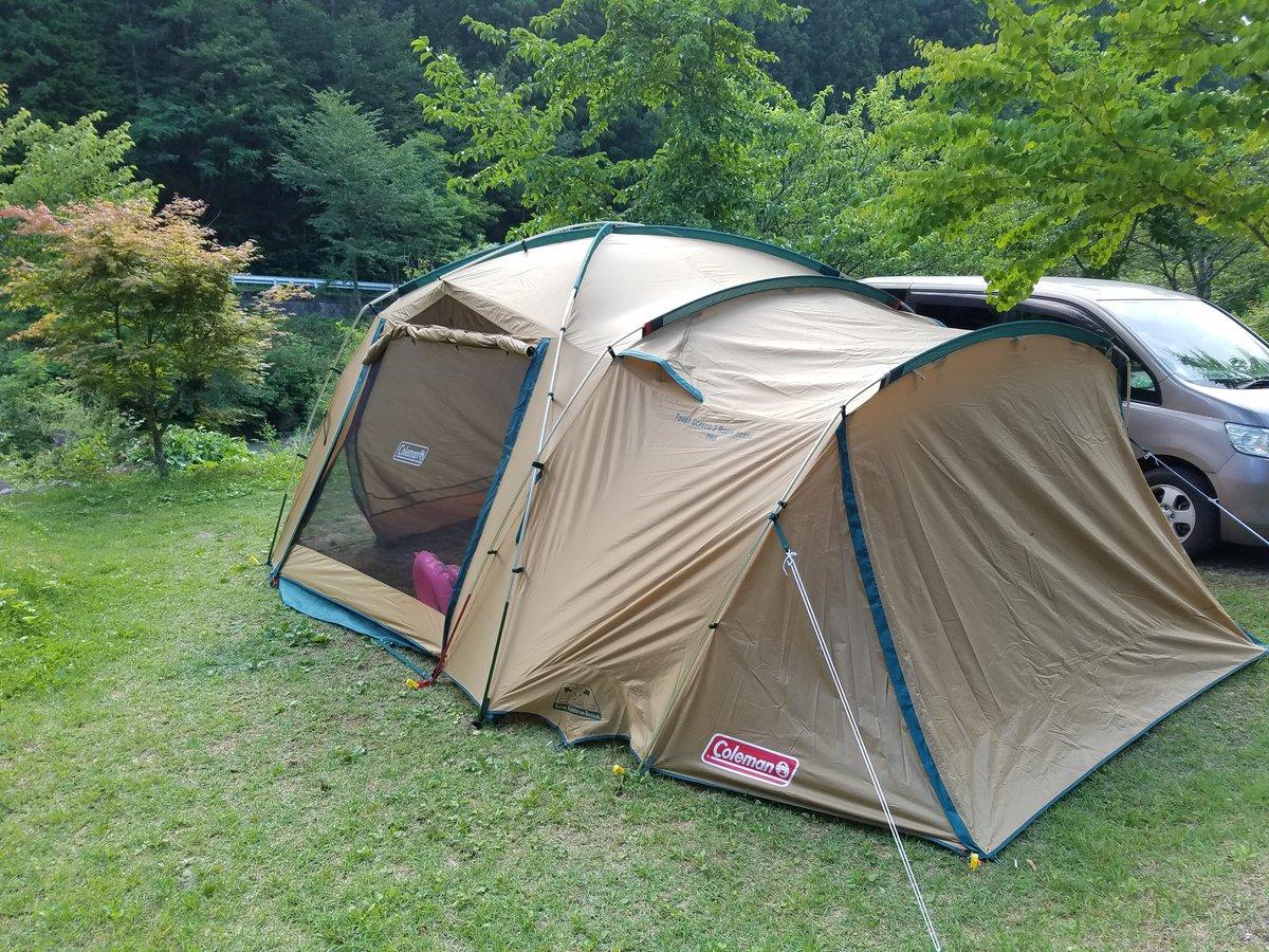 13時30分にキャンプ場に到着してからテントの設営に3時間30分経過中。遊ぶ時間が、、、