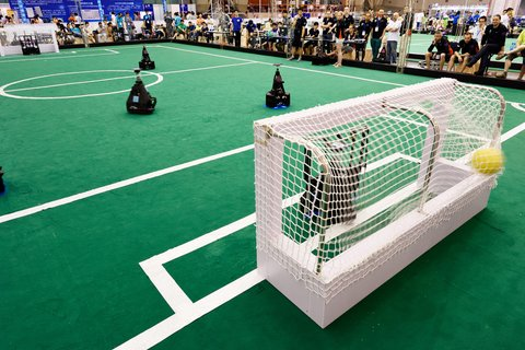 Soccer robots going for tenth World Cup final in a row #Brainport #Eindhoven @TUeindhoven   https://www. tue.nl/en/university/ news-and-press/news/21-07-2017-soccer-robots-going-for-tenth-world-cup-final-in-a-row &nbsp; … <br>http://pic.twitter.com/JCzZk2PDk9