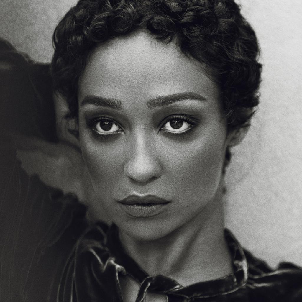 Find out how to create cover star #RuthNegga's gorgeous modern muse beauty look in #THEEDIT https://t.co/KRsymLlrkj https://t.co/a3TYTIni2e