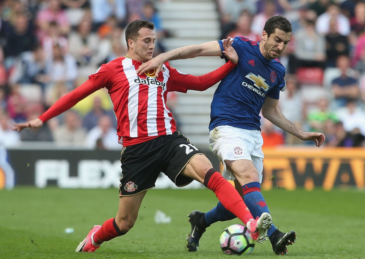 COMPLETED! #NUFC sign former Liverpool and Sunderland man Javier Manquillo  Read more: https://t.co/XIeWYRhIOv