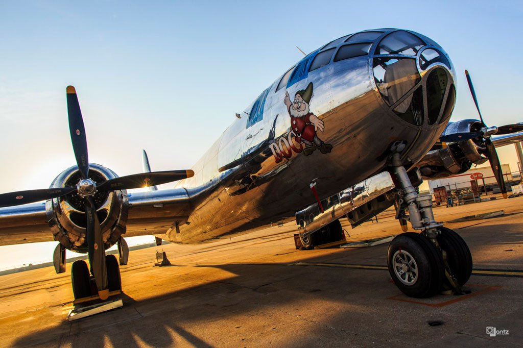 We&#39;re excited to have the #B29Doc warbird @DocsFriends visiting later today at @fly_CID #avgeeks #planes <br>http://pic.twitter.com/nRsZvpywvu