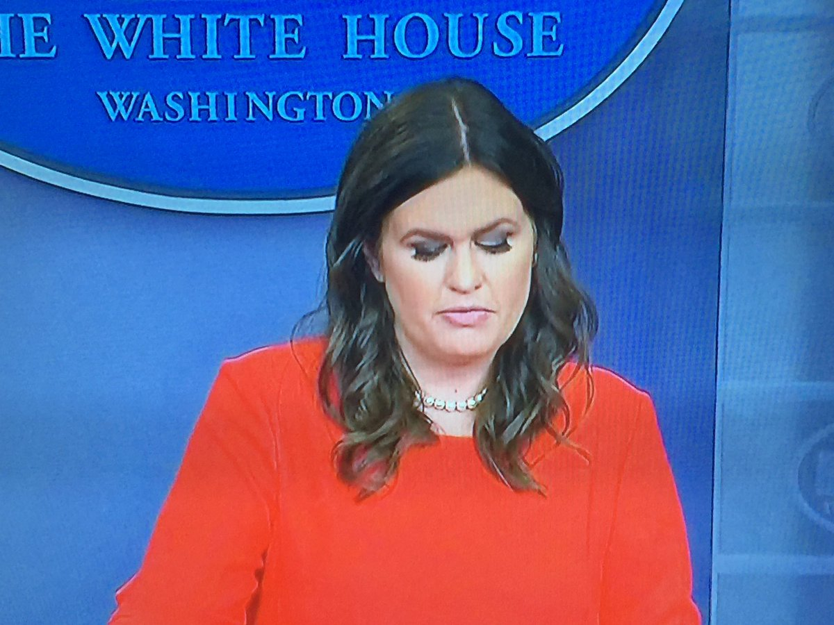 Sarah huckabee sanders introduces dramatic new eyelashes ...