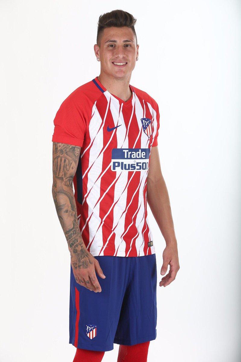 ¿Cuánto mide José María Giménez? - Real height DFR6bXWXcAAfKyf