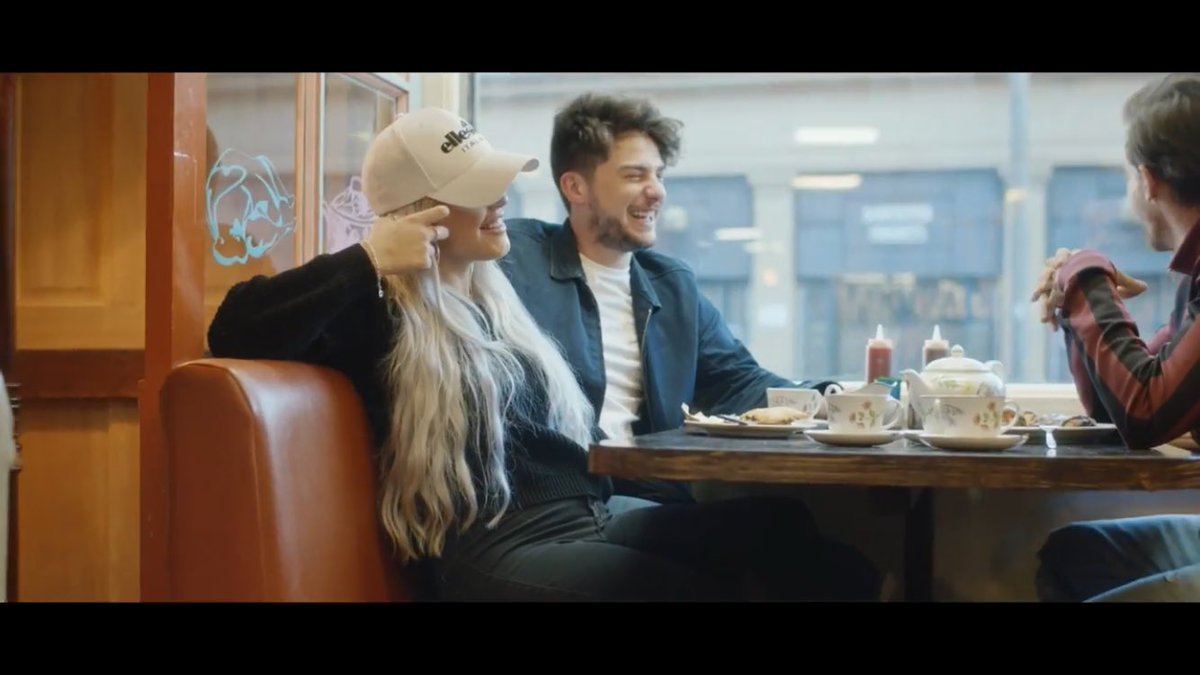 LOTTIE AND TOMMY IM SO HAPPY #BackToYouMusicVideo