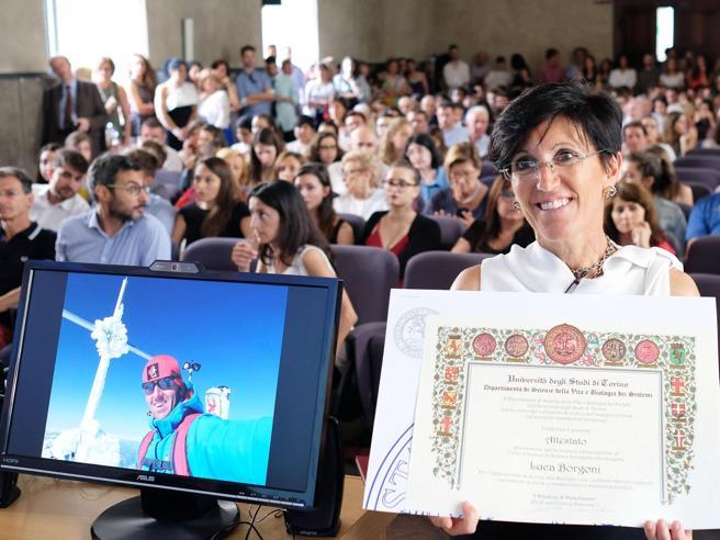 Muore sul Cervino, la  madre discute la sua tesi di laurea https://t.co/oJwSUNP1j0