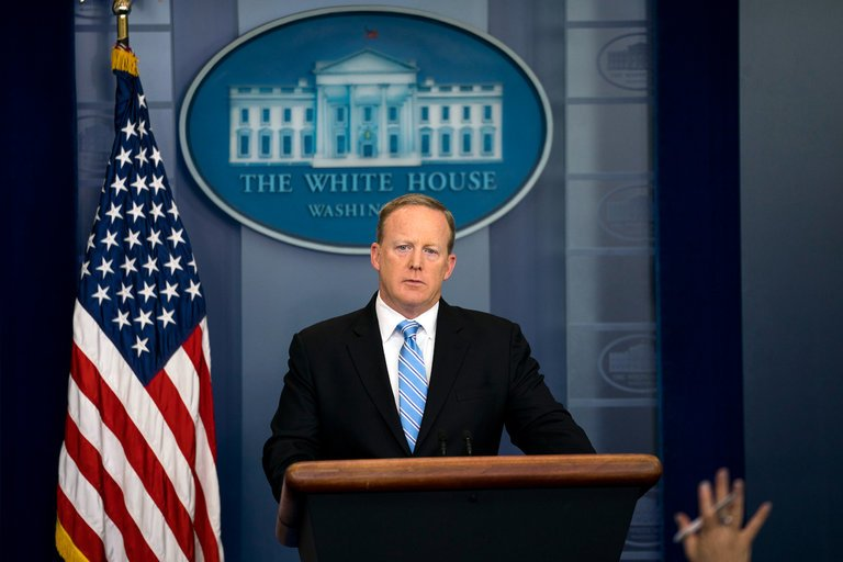 BREAKING: White House press secretary Sean Spicer has quit. https://t.co/wPqnG4Kc9M