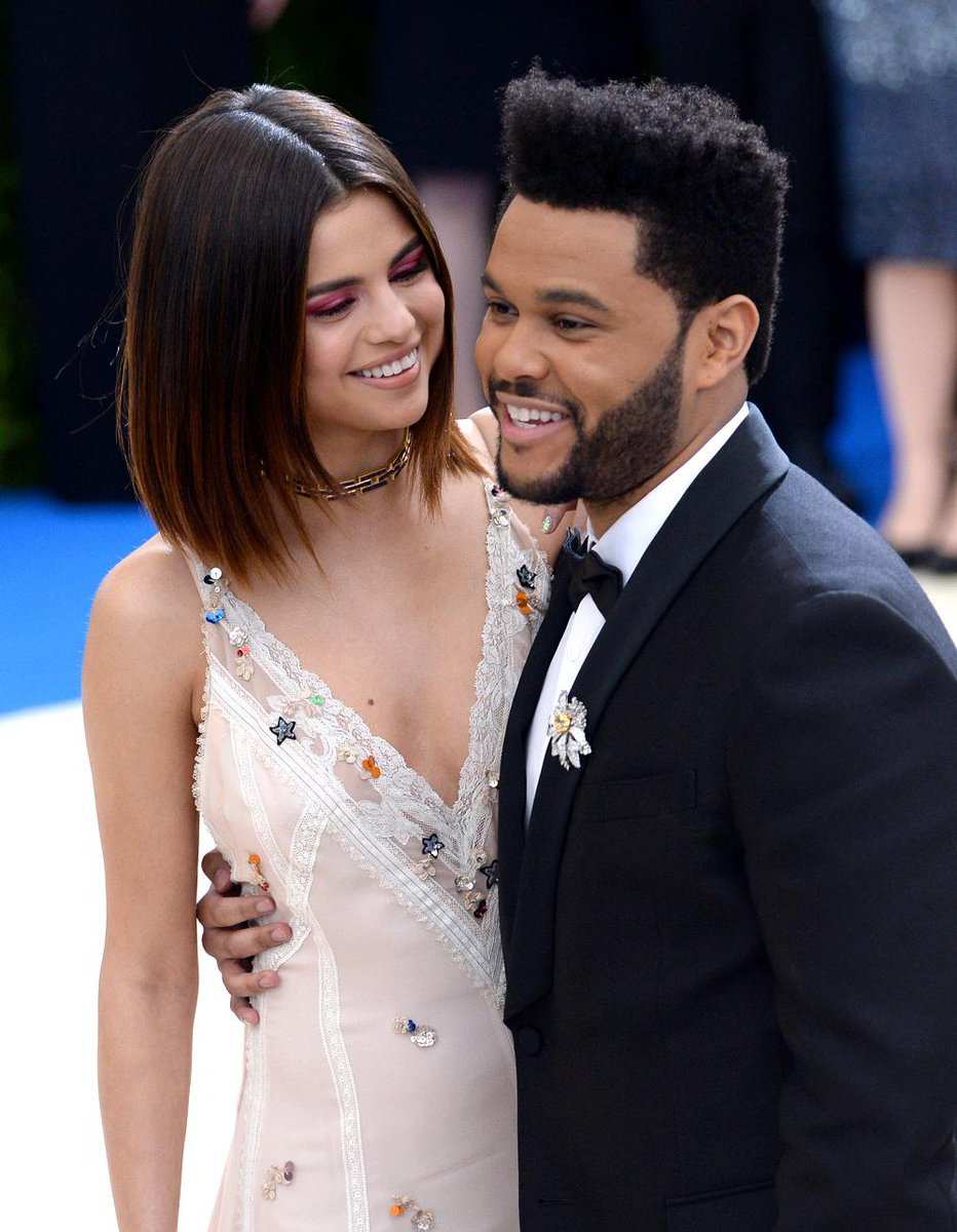 #People The Weeknd infidèle à Selena Gomez : la fin d'une histoire d'amour ? https://t.co/7UzNPbzdaC