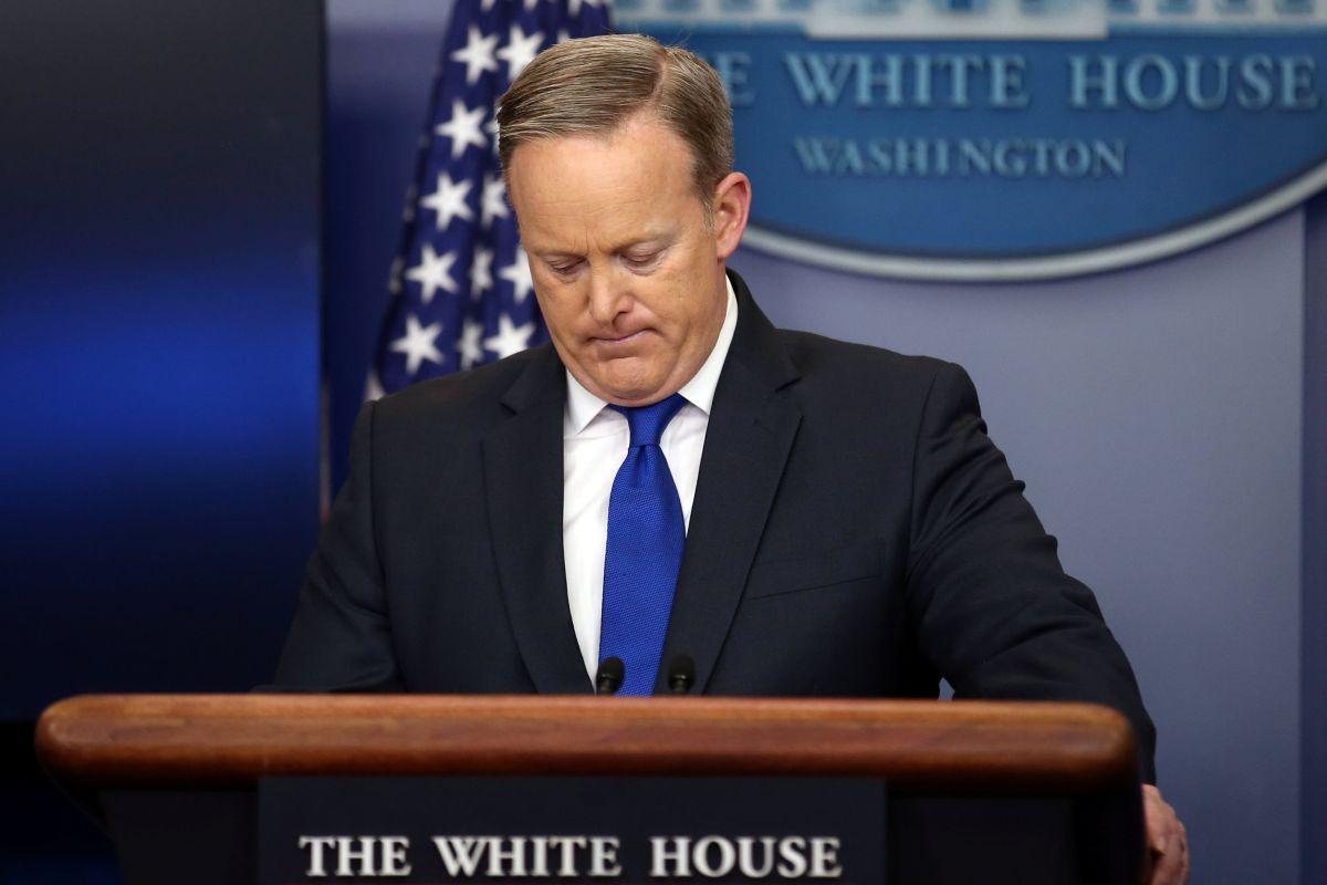Прес-секретар Трампа подав у відставку - The New York Times