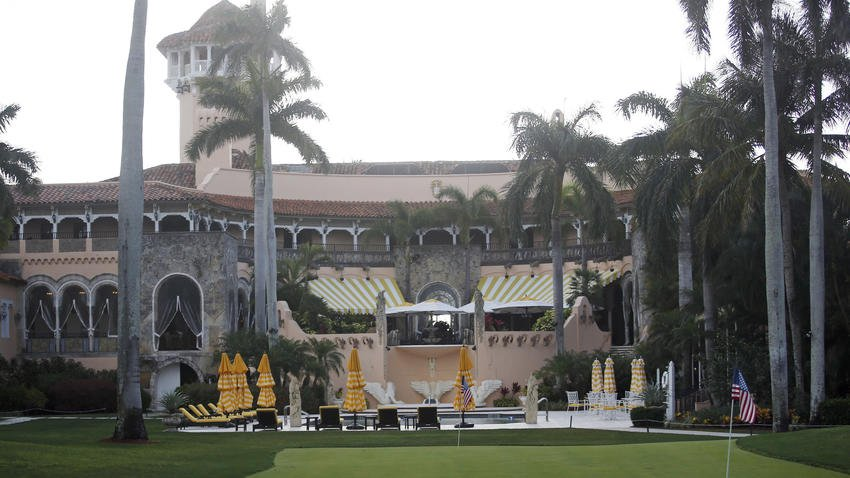 Dozens of foreign workers sought for Trump's Florida clubs —  including his Mar-a-Lago resort. https://t.co/hq6zo8eCxf