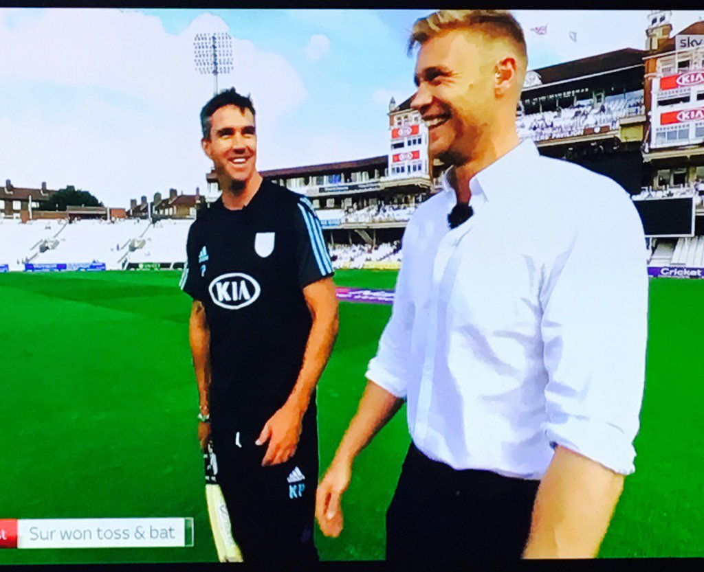 'I could bat left-handed without pads in England's Top4...' 😂😂😂 Hilarious interview.  @KP24 @flintoff11 #t20blast https://t.co/2CGPab0ksn