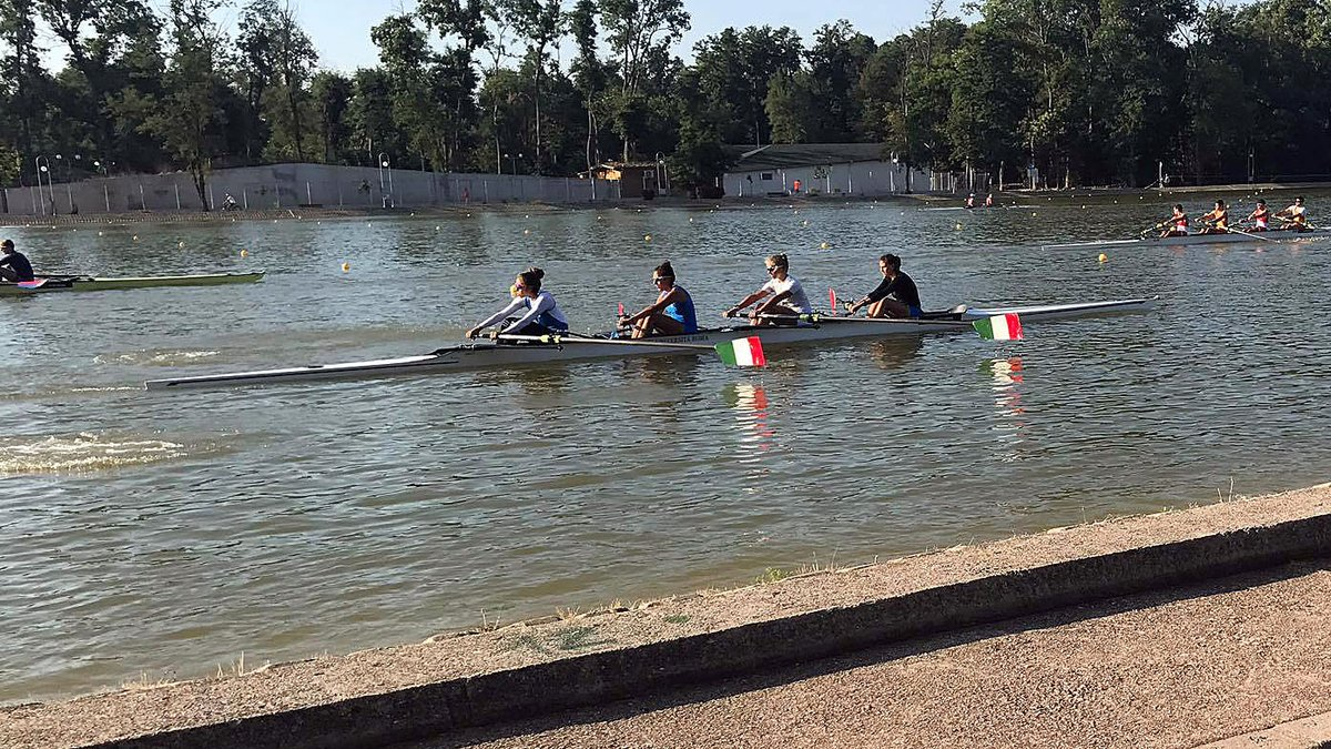 UW rowers in #ITA and #GER W4- through to finals at #WRU23Champs. Friday&#39;s Husky recap here:  http:// gohski.es/2vrVNKt  &nbsp;  <br>http://pic.twitter.com/zWexuRIObB