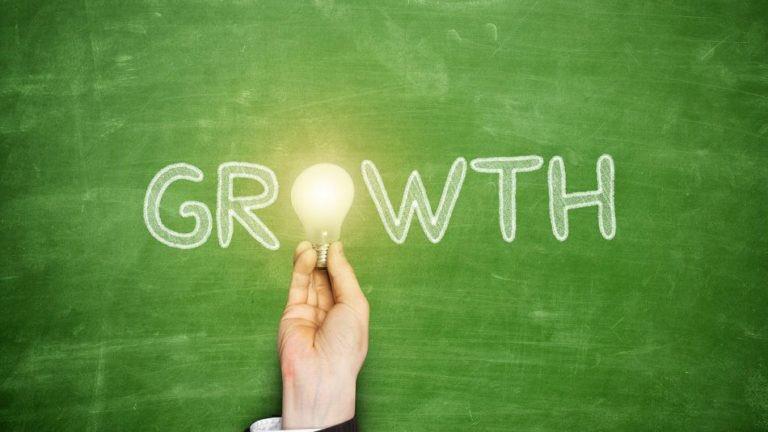 Smart Twitter growth tips for Future #Entrepreneurs.    http:// thewishwall.org/desideri/futur e-entrepreneurs-grow-your-following &nbsp; …  #Twitter  #Thewishwall Cheers @thefollowmg @SimonettaLein! <br>http://pic.twitter.com/itt2zqOkdf