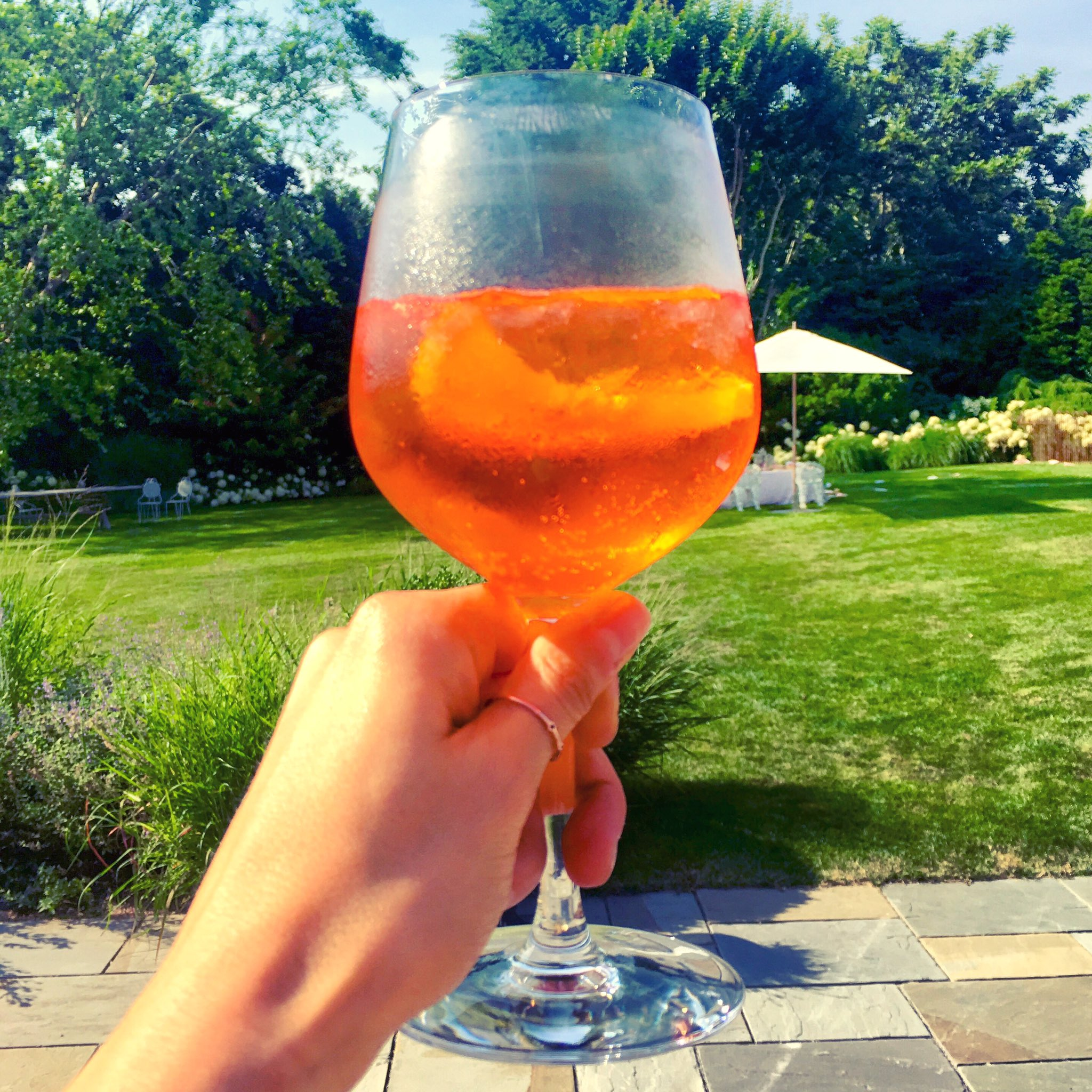 cheers y'all 🥂 #weekendvibes #spritz #hamptons https://t.co/8ONBiYalFe
