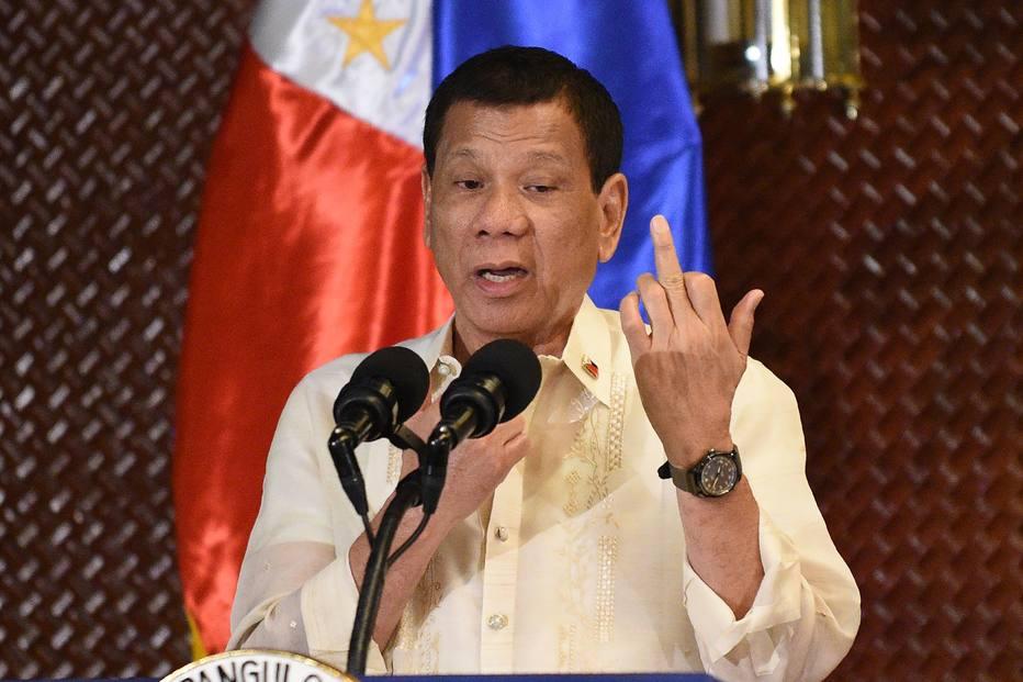 Presidente das Filipinas recusa convite de Trump para ir aos EUA e diz que país é 'irrelevante' https://t.co/lBLVcZ8Vld