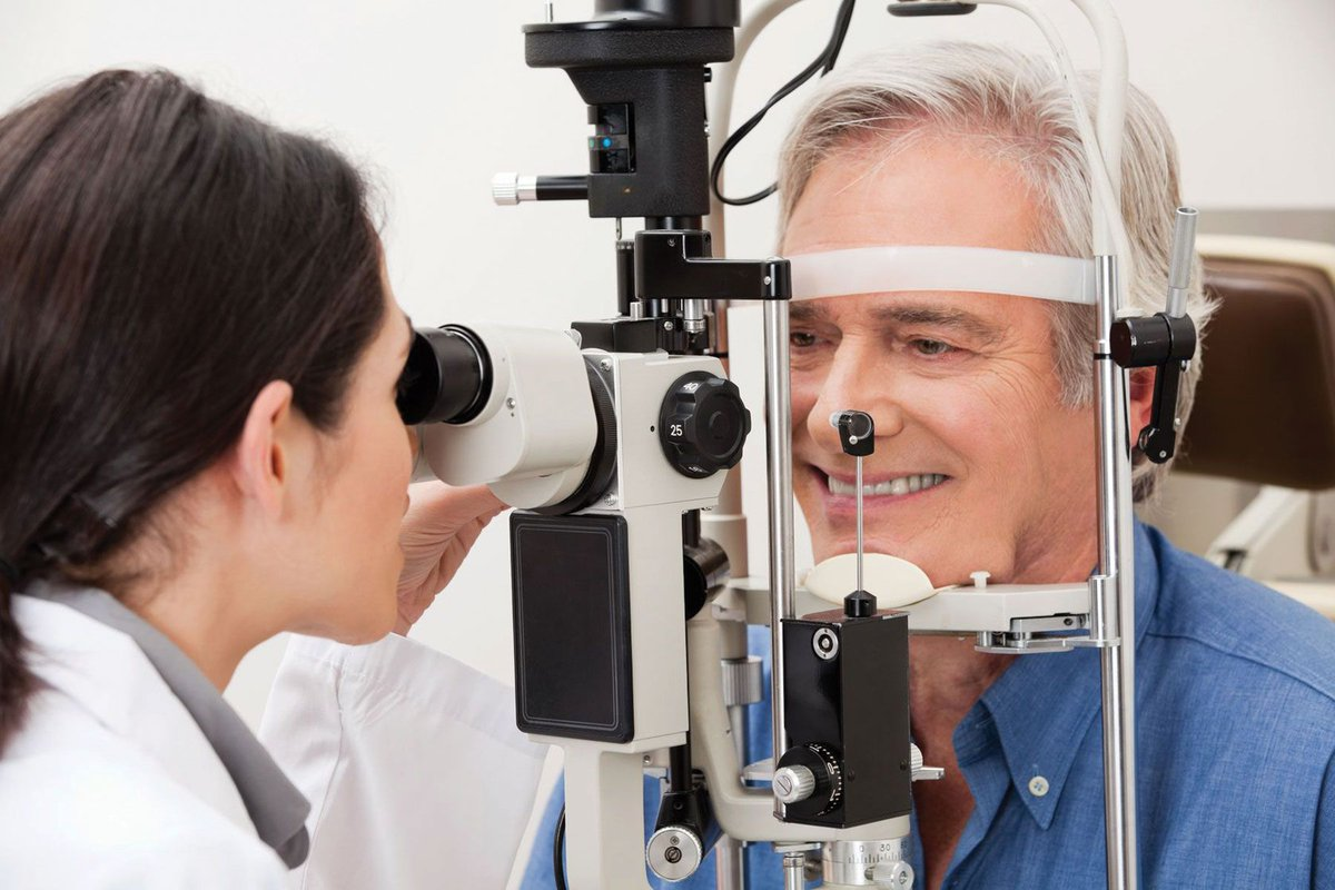 30% of drivers risk a ban due to poor eyesight #motorhour #motorhappy #motoring #drivers #eyesight   http:// buff.ly/2ugD8Bh  &nbsp;   <br>http://pic.twitter.com/CRD8OSkbuJ