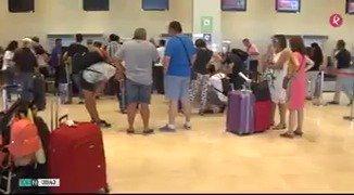 Ni vuelo #Palma-#Mallorca, ni vuelo #Badajoz-#Barcelona. El primer día de vuelos a las islas ha acabado con el enfado de 140 pasajeros. #EXN https://t.co/uYuf6uZqZp