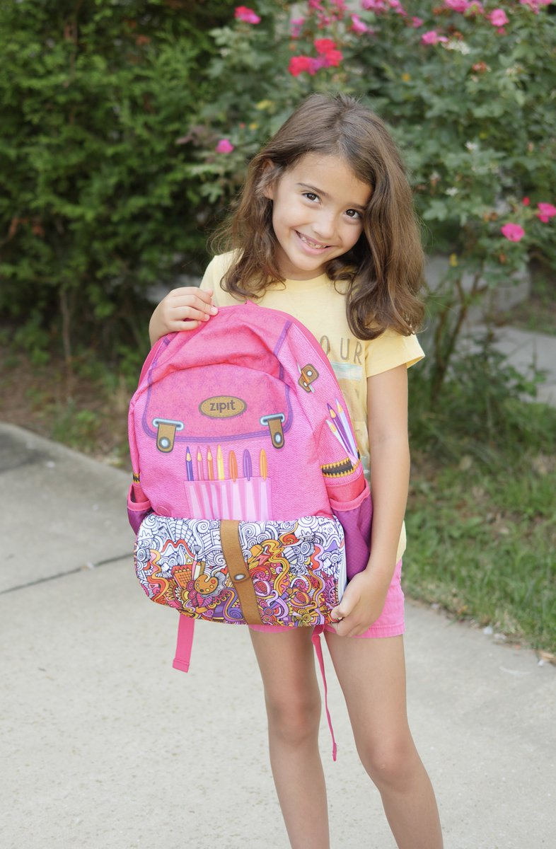 #ad Check out this adorable @ZIPITstore Drawing #Artist Kids' Backpack! It&#39;s perfect for #backtoschool and road trips! #momlife #moms <br>http://pic.twitter.com/RDZBwusR45