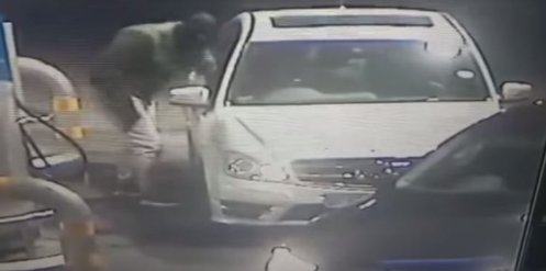WATCH: Gone in 60 seconds - car hijacked at Joburg petrol station https://t.co/LVIsgY7Wqf