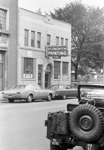 Undercover Detroit police officer Charles Henry gains entry to the blind pig at 12th and Clairmount. He orders a beer. #Rebellion67 https://t.co/Giz9oqi6Dt