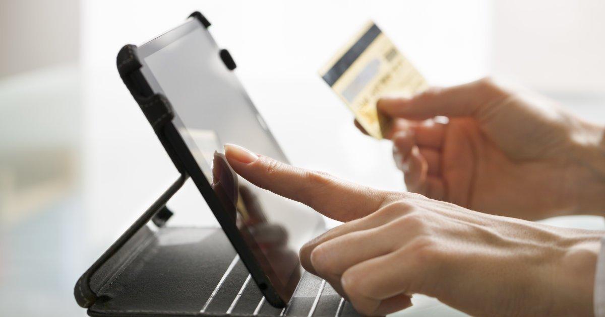 Les achats en ligne ont augmenté de 47% en une année au Canada https://t.co/eJ06FrCjhu