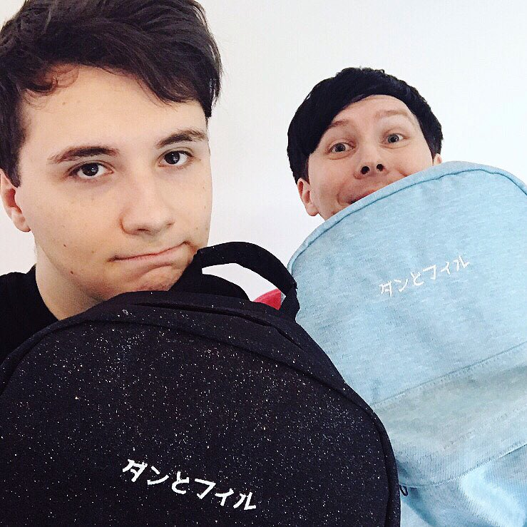 two new backpacks! back glitter nebula or cloud pastel blue, which are you? ☁️✨   🌎 https://t.co/O6ihQKe9l6  🇺🇸 https://t.co/UKYagd2JPE