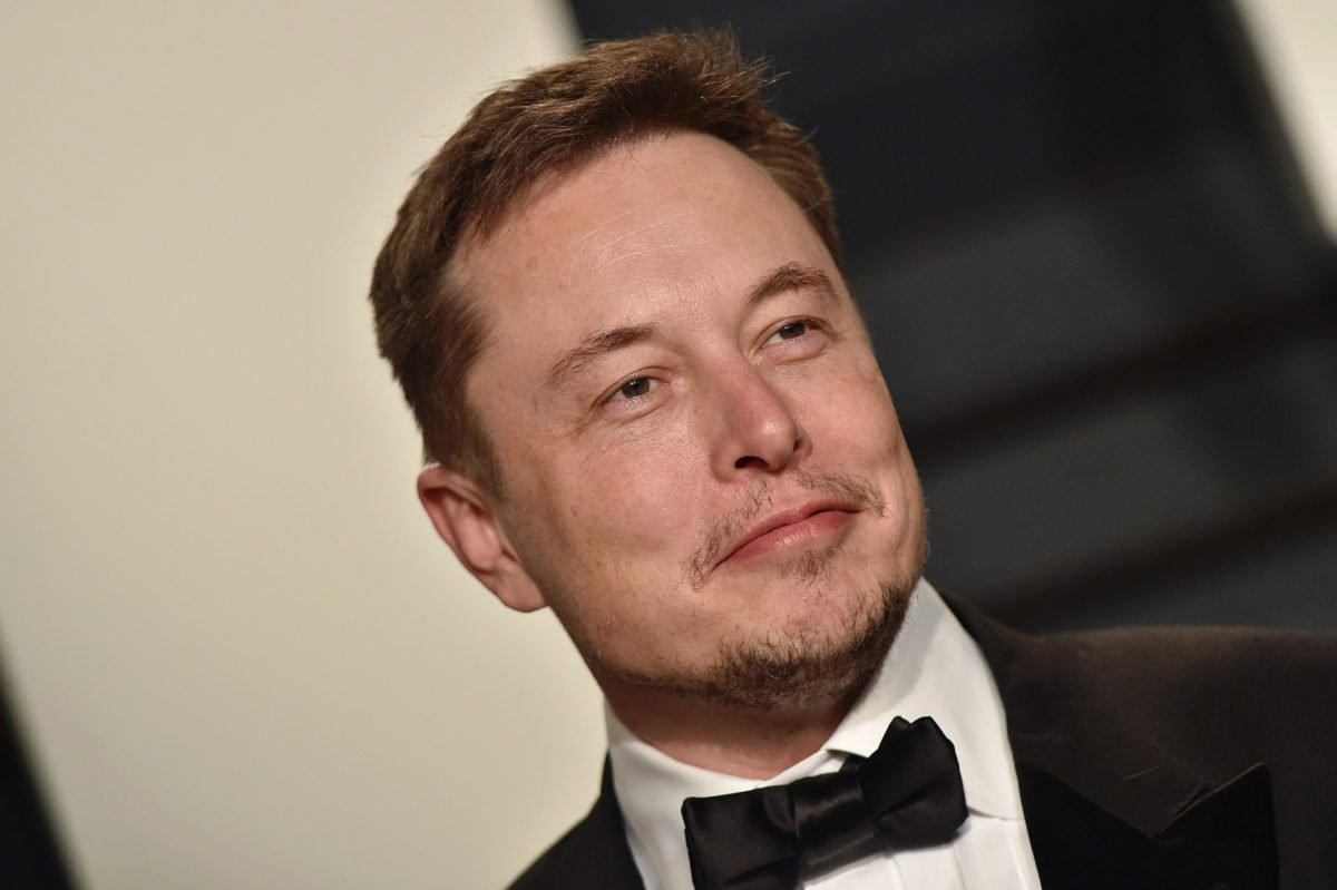 Elon Musk calls on governments to start regulating AI https://t.co/ryB39FxS1I  #Tech #News #IIoT