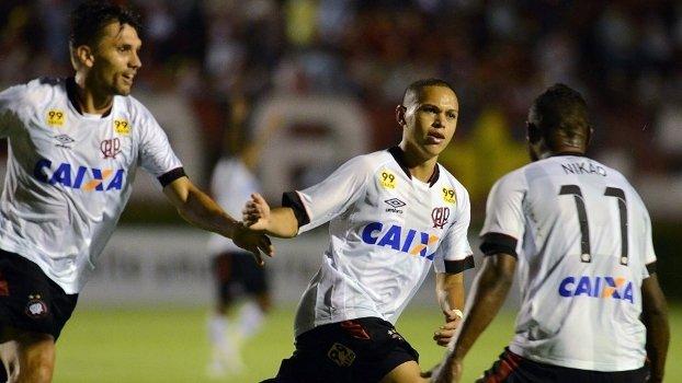 Quem é Marcos Guilherme?: Reforço do São Paulo foi parceiro de Gabriel Jesus e quase foi para o Fla https://t.co/2hBswzGvbs