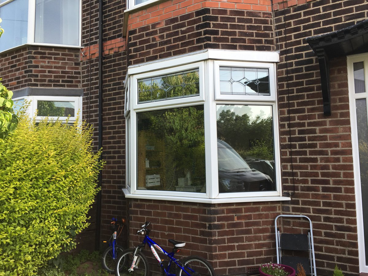 Before &amp; after of this bay #window #shutter install in #Stockport They completely change the look of this house from the #inside &amp; #outside<br>http://pic.twitter.com/nckRUBWgjH