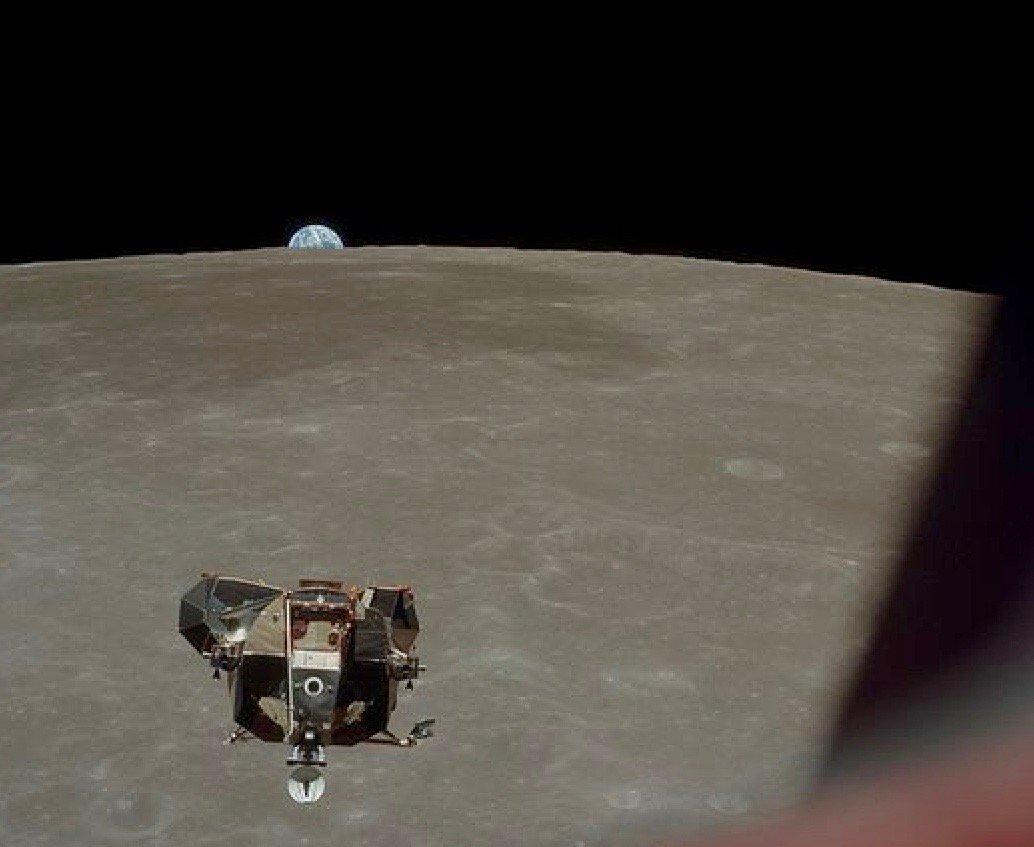 фото олдрина в лунном модуле этой