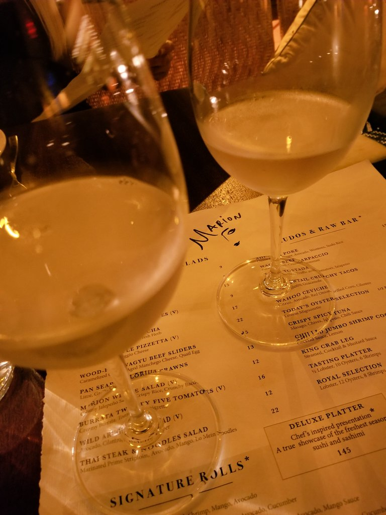 Trying @MarionMiami for the first time, with @KristinaIce, this place is amazing, LOVE the atmosphere! #LuxuryTravel #Miami #Florida #Wine <br>http://pic.twitter.com/fuoveUKBkS &ndash; bij Marion