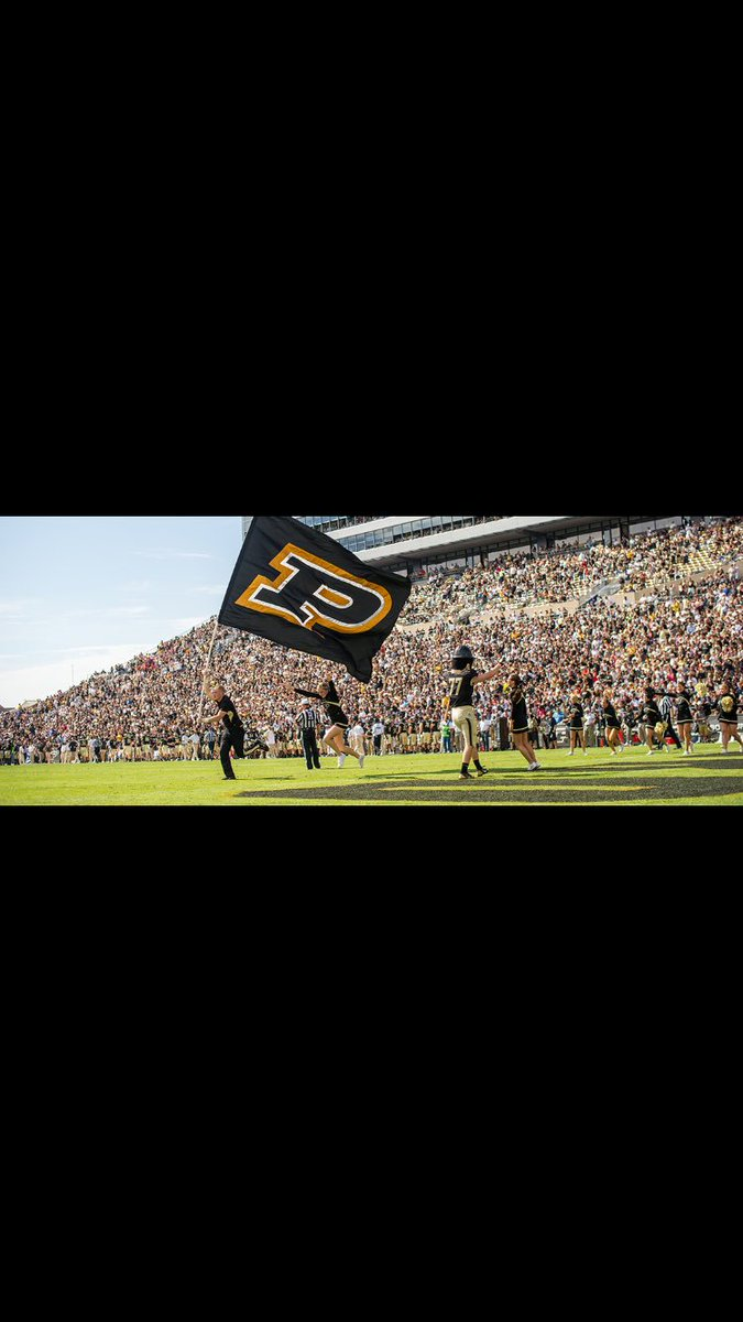Blessed to have received my first offer from Purdue University   #go boilermakers <br>http://pic.twitter.com/JbFwV9zc3O