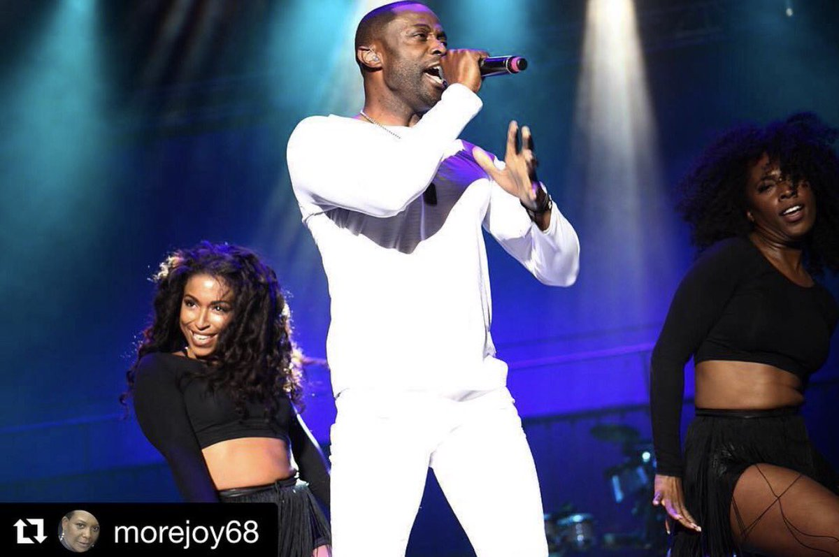 We had a great time last night! Thanks for the love, #Philly! #RP @morejoy68: They killed it! #kem and the ladies. #flexibilty was on deck!