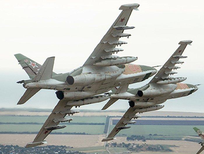 تعرف على النسخه الاحدث من مقاتلات Su-25 ..........المقاتله Su-25 SM3 DFTXWzHW0AAoaTo