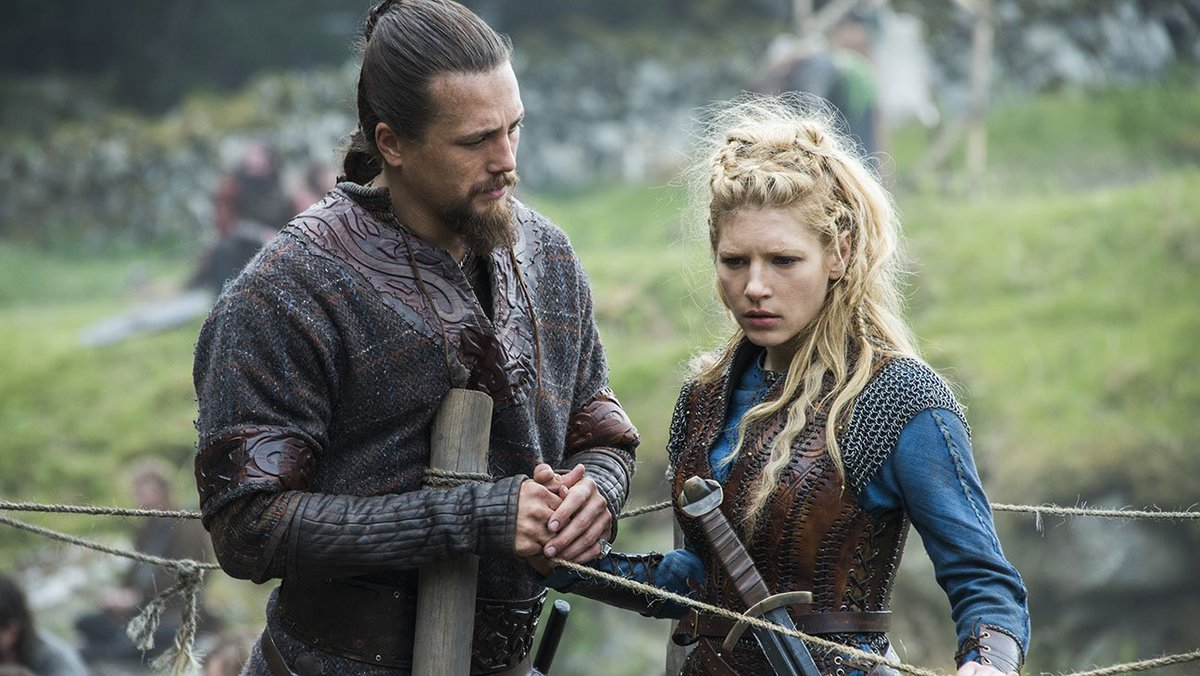 #Vikings debuts first official season 5 trailer at #SDCC2017  http:// thr.cm/CCjARm  &nbsp;  <br>http://pic.twitter.com/BKENdI5iqQ